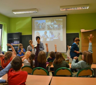 Warsztaty kulturoznawcze dla dzieci w warszawskich szkołach